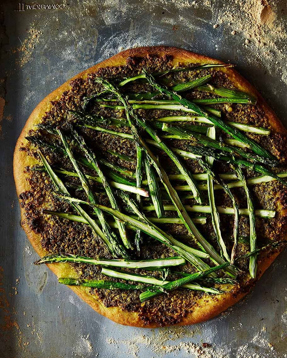 2014-1101_asparagus-and-arugula-pizza-with-vegan-pesto-005