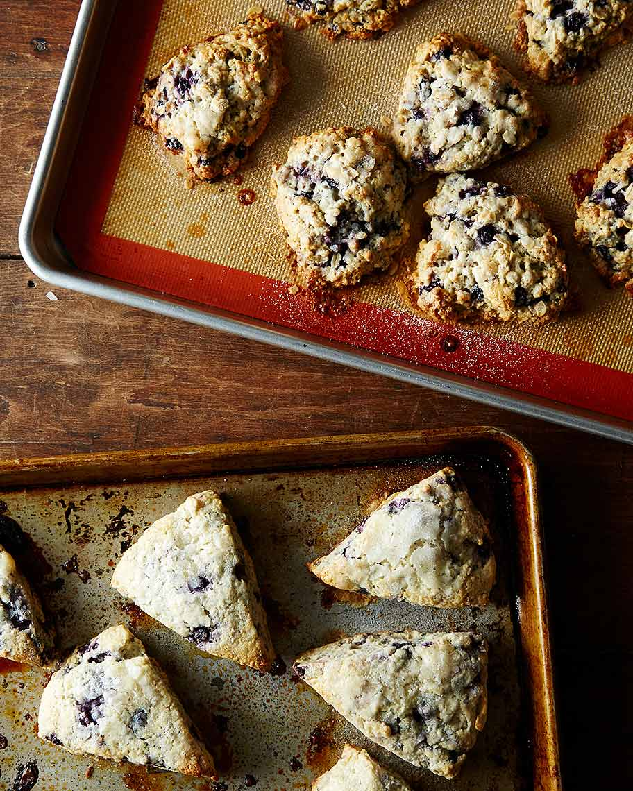 2014-1208_featherweight-wildberry-scones-010