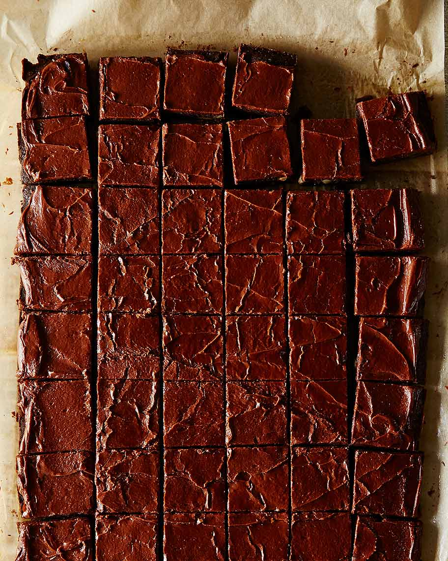2015-0109_magic-espresso-brownies-with-chocolate-glaze-002