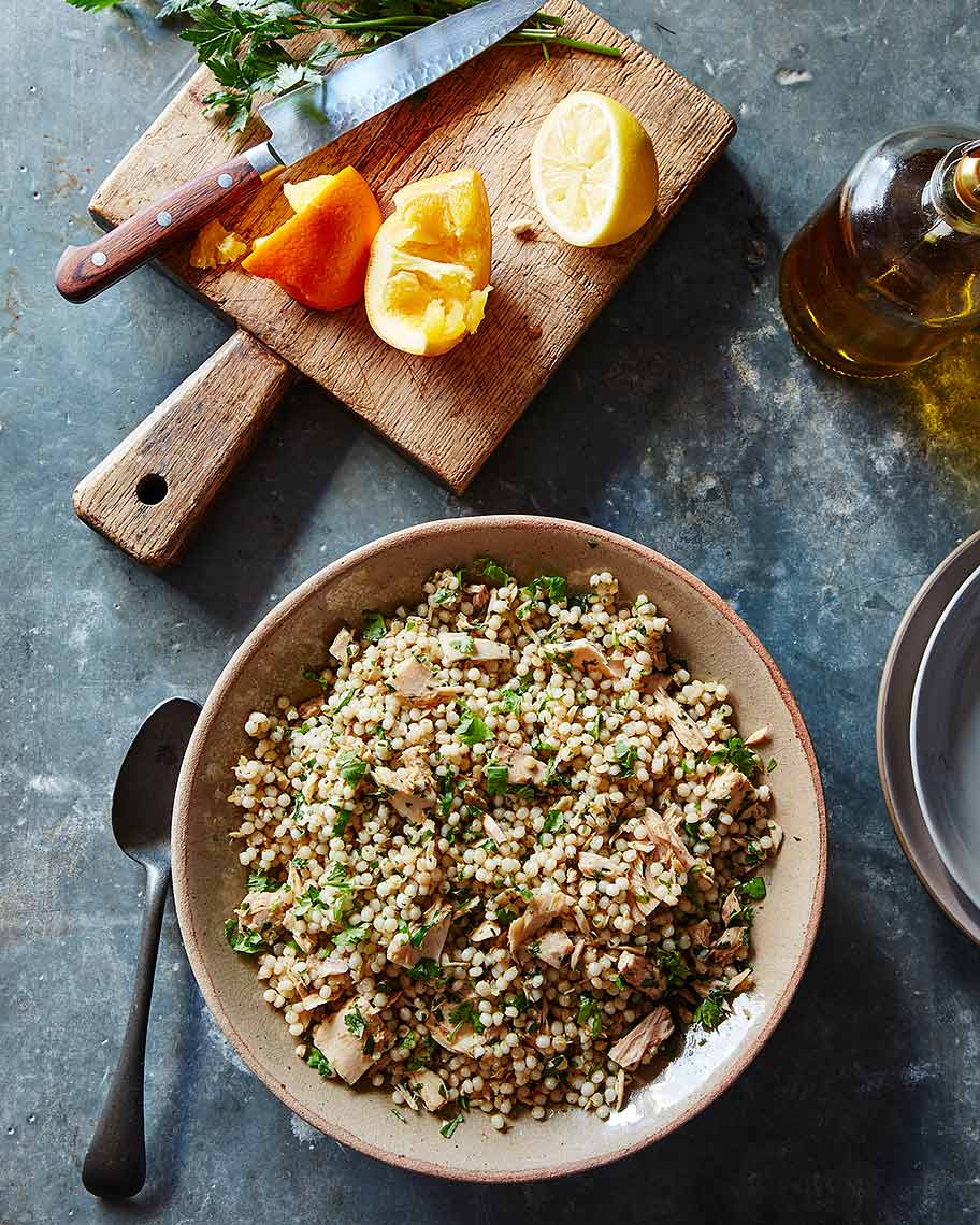 2016-0127_herbed-tuna-and-israeli-couscous-salad-with-cumin-coriander-and-citrus_james-ransom-018