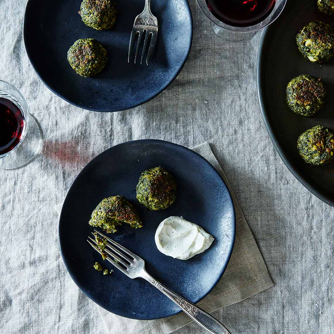 2016-0425_aldi_appetizer-scene_green-meatless-balls_james-ransom-012-1