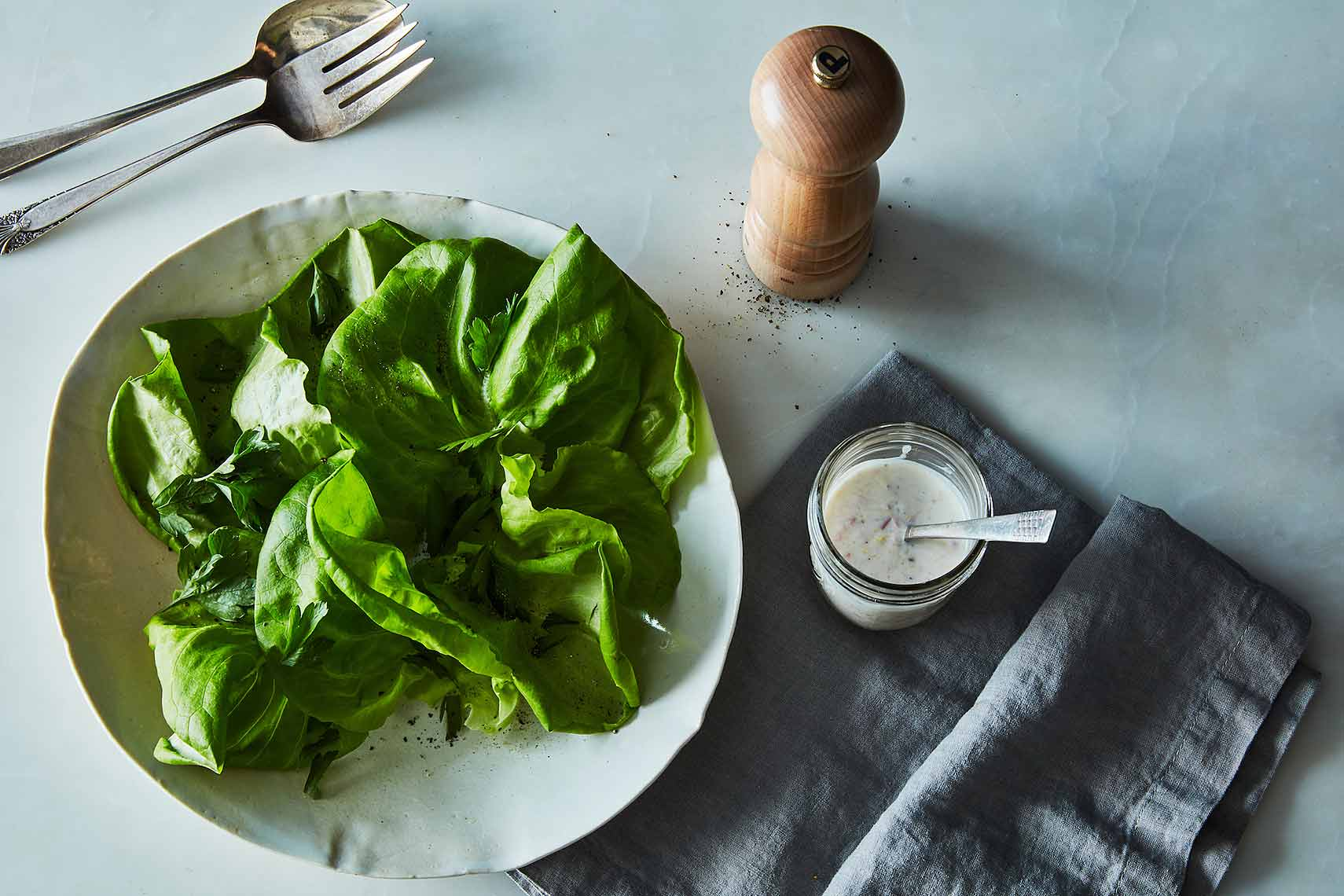 lettuce salad yogurt dressing
